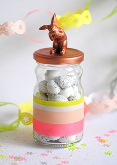 upcycle salsa/jelly jars by adding washi tape and spray-painting the lid with an animal on top Jar Crafts, Easter Crafts, Washi Tape Crafts, Decorative Tape, Easter Party, Easter Gift, Decoration Table, Easter Wreaths, Diy Craft Projects