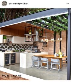Pin on My future home Outdoor Kitchen Patio, Outdoor Kitchen Design, Outdoor Rooms, Kitchen Decor, Dirty Kitchen Design, Dirty Kitchen Ideas, Rooftop Design, Terrace Design, Parrilla Exterior