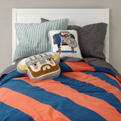 Between bedtime, naptime and the occasional round of jumping, your little one's bed needs help looking its best.  That's why we designed this stylish sheet set.  Its dotted pattern will keep your bed looking well-groomed, even when it's not.  Add the coordinating Viking pillows for a bit of playfulness.