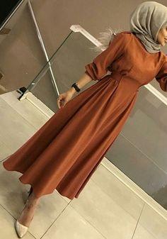 Hijab Style Dress, Modest Fashion Hijab, Modern Hijab Fashion, Muslim Women Fashion, Hijab Fashion Inspiration, Islamic Fashion, Hijab Chic, Fashion Dresses, Casual Hijab Outfit