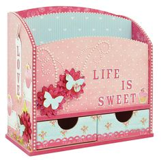 Do you have any special letters that you are looking for the perfect place to store? This lovely letter holder may be the solution.