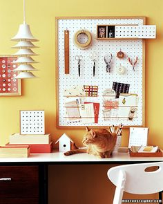 Pegboards can be used to create perfect organization in any room, and to add interest and function to your home decor. Most importantly Pegboard is cheap, easy to work with, and very versatile. Today I am share with you 10 of my favorite pegboard pro Pegboard Organization, Office Organization, Organized Office, Hang Pegboard, Organizing Tips, Organize Life, Sewing Rooms, Space Crafts, Craft Space
