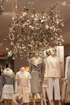 the unbelievable masterpiece display at the Club Monaco - Eaton Centre.  the atmosphere was breathtaking. A mixture between romance and nature. I LOVED EVERYTHING