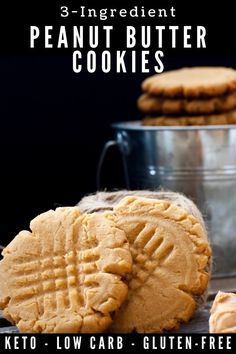 Just one bite and you are going to love these perfect 3 ingredient peanut butter cookies! Delicious, quick and easy peanut butter cookies Sugar Free Cookie Recipes, Homemade Peanut Butter Cookies, Low Carb Peanut Butter, Chocolate Chip Cookie Dough, Nigella Lawson, Keto Dessert Easy, Dessert Recipes, Vegan Desserts, Graham