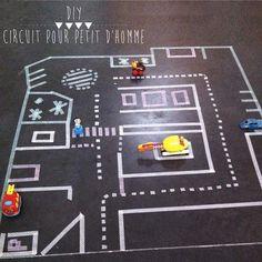 DIY un circuit de voitures en quelques minutes ! Masking Tape, Washi Tape Diy, Games For Kids, Diy For Kids, Kids Play Area, Children Play, Play Areas, Tapas, Activity Games