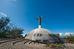 En la cima de la Loma Isabel De Torres se encuentra el Cristo Redentor o Cristo De La Libertad, Puerto Plata, R.D.