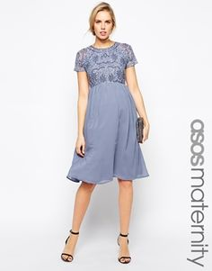 Vergrößern ASOS Maternity – Exklusives, verziertes Midi-Kleid