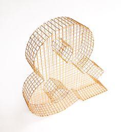 Esperluette dorée à l'or fin 24 carats  décorative en grillage par LaFabriquealettres sur Etsy https://www.etsy.com/fr/listing/183773742/esperluette-doree-a-lor-fin-24-carats