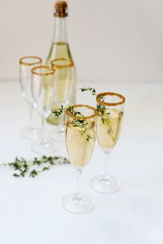 DIY New Years Wedding Party Ideas: Gold Cocktail Rimming Sugar. I am SO in love with this idea – sparkly gold sugar to rim your martinis, champagne glasses or mocktails!