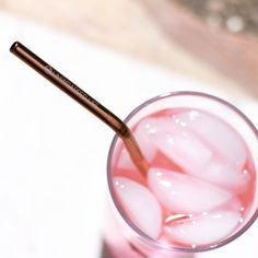 Rose gold reusable straw #ecofriendly #zerowaste #plasticfree #pink #pinkaesthetic #rose #rosequartz Metal Straws, Stainless Steel Straws, Rose Gold Pink, Eco Friendly House, Pink Aesthetic, Pink Fashion, Healthy Skin, Pretty In Pink, Rose Quartz