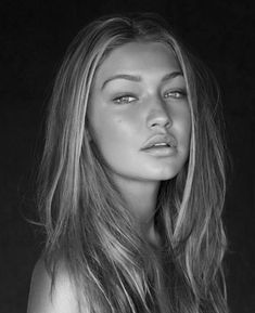 gigi hadid very little makeup & beautiful, she could have no makeup and be beautiful