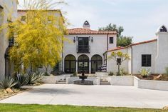 Luxury real estate magnificent estate on Oak Pass Road