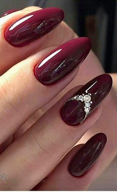 26 Popular Nails Winter Colors to Look Trendy This Season * remajacantik winter 26 Popular Nails Winter Colors to Look Trendy This Season 23 Fancy Nail Art, Pretty Nail Art, Beautiful Nail Art, Gorgeous Nails, Elegant Nails, Stylish Nails, Trendy Nails, Burgundy Nail Designs, Gel Nail Designs