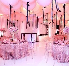 Love the pink balloons with black ribbon for a Paris theme party Paris Birthday Parties, Pink Parties, Birthday Party Themes, Spa Birthday, Paris Theme Parties, Parisian Birthday Party, Chanel Party, Thema Paris, Lila Party
