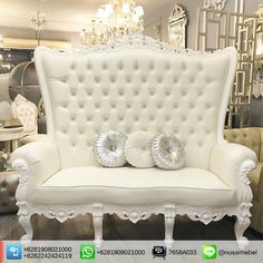 A wedding throne sofa in white duco finish presented with this Dominique. It's use 3 seater format with strong carving motif above mahogany wood. Indian Furniture, French Furniture, Sofa Furniture, Luxury Furniture, Create Your Own Furniture, Black And White Furniture, Wedding Furniture, Home Themes, Reproduction Furniture