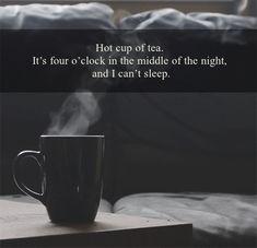 Piaceri della vita che vanno di pari passo 😁 #mugs & #books #tazze e #libri, #reading #cups #tazze da #lettura ☕️📚 😀->