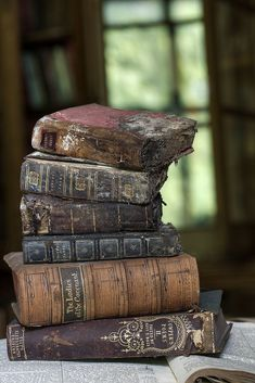 Old Books speak Volumes . Old Books, Antique Books, Vintage Books, I Love Books, Books To Read, Photos Amoureux, World Of Books, Jolie Photo, Sign Printing