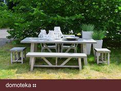 Czysty w formie, pozbawiony zbędnych ozdobników stół, pozwoli na zrobienie prawdziwej uczty wśród zieleni. Zestawienie drewna akacjowego i kompozytu cementowego nadaje całości elegancki i stonowany charakter. HOUSE&more inspiruje!