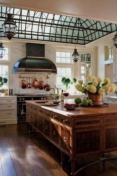 Home Decor Themes Best European Kitchen Design Ideas.Home Decor Themes Best European Kitchen Design Ideas Classic Kitchen, New Kitchen, Kitchen Dining, Kitchen Decor, Kitchen Ideas, Awesome Kitchen, Kitchen Layout, French Kitchen, Kitchen Furniture