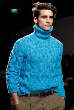 On SALE Men's Sweater Inspired by Hermes Menswear Collection in Paris Made to order Hand Knitted Sweaters, Sweater Knitting Patterns, Knitting Designs, Mode Pastel, Handgestrickte Pullover, Knitwear Fashion, Men's Knitwear, Sweater Weather, Nice Dresses