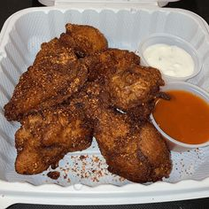 Trashed Wings: A New Delivery Concept from Mel's Burger Bar - I Love The Upper West Side Chicken Delivery, Nyc Bucket List, Boneless Wings, Best Wings, Burger Bar, Buffalo Cauliflower, Upper West Side, Chicken Wing Recipes, Chicken Wings