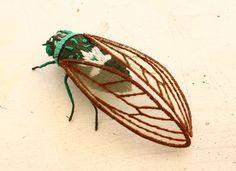 立体刺繍の昆虫のブローチ~ミンミンゼミ~