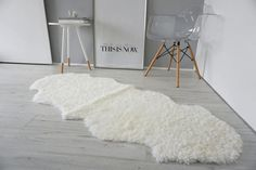 short curly sheepkin rug in gray modern room Sheepskin Throw, Ivory White, Modern Room, Throw Rugs, Scandinavian Style, Little Babies, Shag Rug, Design Elements, Upholstery