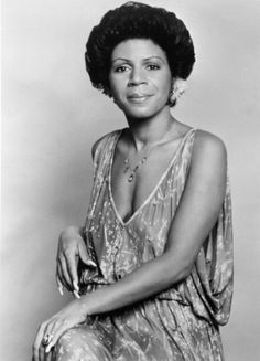 Minnie Riperton Love her! Minnie Riperton Minnie Julia Riperton was an American… World Music, Music Life, Playlists, Minnie Riperton, Divas, Rock & Pop, Vintage Black Glamour, Black Celebrities, Celebs