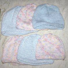 Ravelry: Simple Baby Hat pattern by Darlene Woodman. I am making a lot of t Ailsa Bedingfield Baby Hat Knitting Patterns Free, Baby Hat Patterns, Baby Hats Knitting, Knitted Hats, Crochet Patterns, Newborn Knit Hat, Fall Knitting, Knitting For Charity, Crochet Bebe
