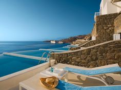 Yaz eğlencesinin başkenti olarak bilinen Mykonos aynı zamanda ödüllü bir spa merkezine ev sahipliği yapıyor: The Cavo Tagoo.