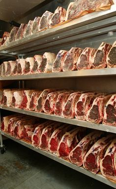 Ready for party (dry aged beef) Steak Braten, Steaks, Carne Madurada, Dry Aged Steak, Beef Recipes, Cooking Recipes, Meat Restaurant, Meat Shop, Meat Markets