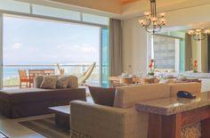 Grand Luxxe living room