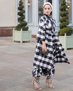 """20.6k Likes, 111 Comments - Ascia AKF (@ascia_akf) on Instagram: """"Throwing it back to bumpless fashion on our @bicestervillage excursion back in February for…"""""""