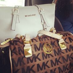 Michael Kors Ring Embossed Large White Drawstring Bags Outlet and hot sale for cheap....