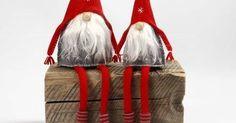 Cómo hacer duendes de navidad en tela con moldes paso a paso Pinwheels, Gnomes, Needle Felting, Hello Kitty, Christmas Crafts, Pattern, Diy, Ornaments, Animals