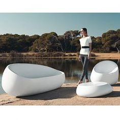 Vondom Outdoor Sofa and Loveseats. Modern Vondom Stones outdoor sofa for the patio and outside room. Modern Garden Furniture, Contemporary Outdoor Furniture, Indoor Outdoor Furniture, Indoor Outdoor Living, Poolside Furniture, Street Furniture, Wicker Furniture, Furniture Ideas, Furniture Design