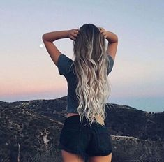 Summer girl Long hair Ombre Hair extensions More info here rubin - Hair Style Fow Woman Light Blonde Balayage, Beauté Blonde, Brown Blonde Hair, Ombre Hair Extensions, Long Hair Extensions, Ombre Hair Color, Long Ombre Hair, Gray Ombre, Summer Hairstyles