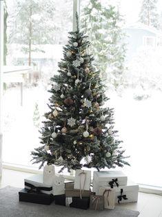 Christmas 2019, Xmas, Fixer Upper, Art Deco, Presents, Candles, Holiday Decor, Blog, House