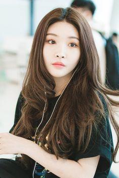 Cungha Chung Ah, Korean Group, Korean Girl Groups, Kpop Hair, Choi Yoojung, Kpop Girl Groups, Kpop Girls, Uzzlang Girl, Asian Celebrities