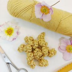 Chrysanthemum Granny Square | Crochet Cloudberry Crochet Cable, Double Crochet, Free Crochet, Crochet Blogs, Granny Square Crochet Pattern, Crochet Squares, Crochet Patterns, Crochet Cushions, General Crafts