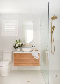 Bathroom ideas, bathroom renovation, master bathroom decor and bathroom organization! Bathrooms can be beautiful too! From claw-foot tubs to shiny fixtures, these are the master bathroom that inspire me the absolute most. Home, Gorgeous Bathroom, Bathroom Interior, Bathroom Decor, Interior, Bathroom Renos, Bathroom Interior Design, Bathroom Renovations, Bathroom Design