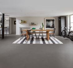Buy Quick-Step Livyn Ambient Click Minimal Medium Grey today and take advantage of nationwide delivery from the UK's number one Q/step vinyl flooring supplier.