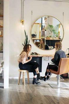 Home Beauty Salon, Home Hair Salons, Hair Salon Interior, Home Salon, Salon Interior Design, Salon Design, Design Design, Brassy Hair, Esthetician Room