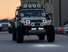 Storm Trooper Jeep - Love all the lighting! Jeep Tj, Jeep Wrangler Jk, Jeep Lights, Oracle Lights, Customised Trucks, Cool Jeeps, Jeep Accessories, Sweet Cars, Toy Trucks