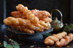 Yum Yams zakręcone pączki z Anglii, chrupiące z wierzchu, pulchne i napowietrzone, miękkie w środku. Ciastko dobre na karnawał i tłusty czwartek.