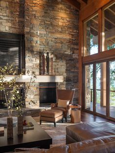 Rustic Great Room Design, Pictures, Remodel, Decor and Ideas - page 332