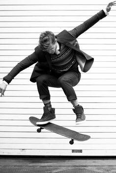 This site contains information about skateboard fashion for men. Foto Fashion, Sport Fashion, Mens Fashion, White Photography, Fashion Photography, Sport Photography, Food Photography, Sport Videos, Look Adidas