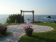 """""""The Rock"""" is one of our guests' favorite spots to say """"I do""""... Secluded oceanfront location with an spectacular view. Simply amazing!"""