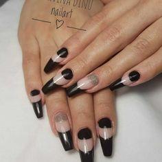 Balllerina black nails design