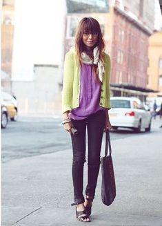 紫のシャツ着こなしコーデレディース